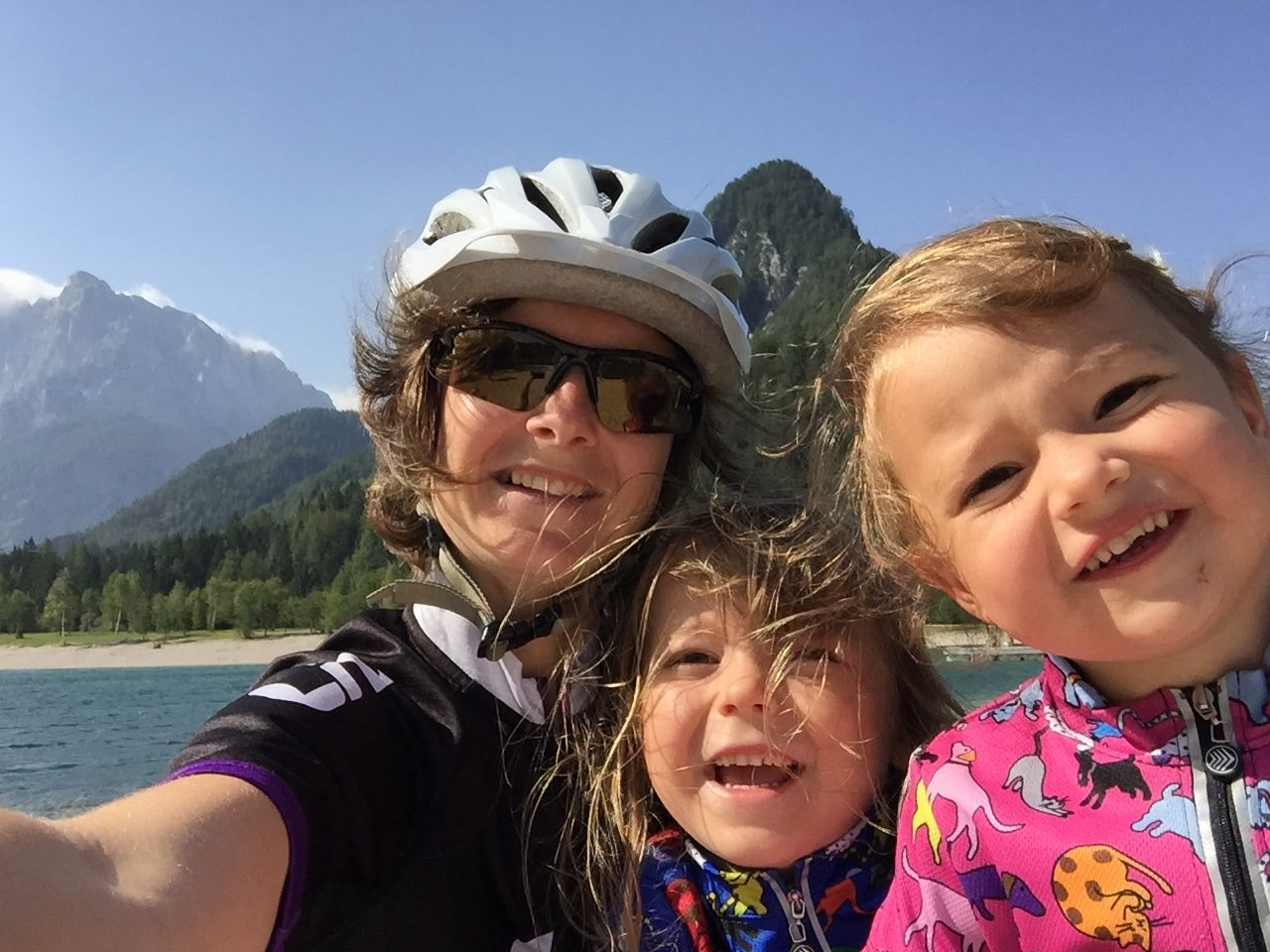 deti, usmiaté deti, deti na výlete, výlet, hory