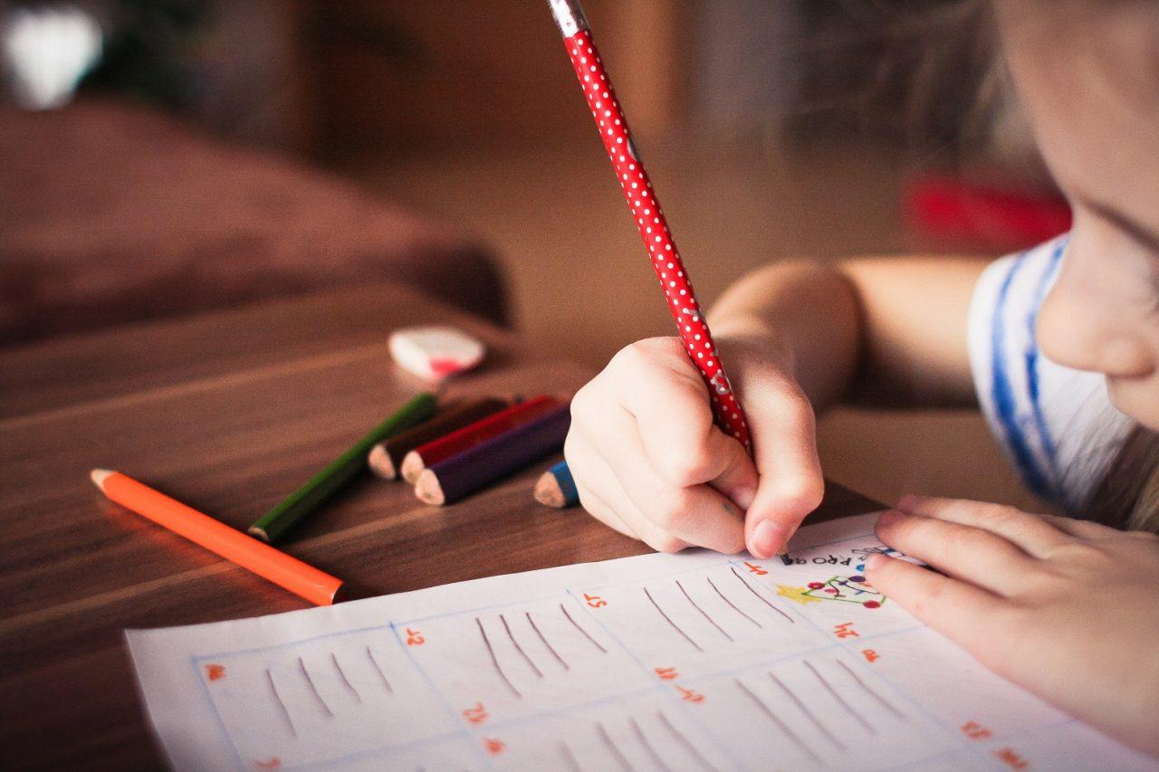 deti, dieťa, kreslenie, učenie, ceruzky,