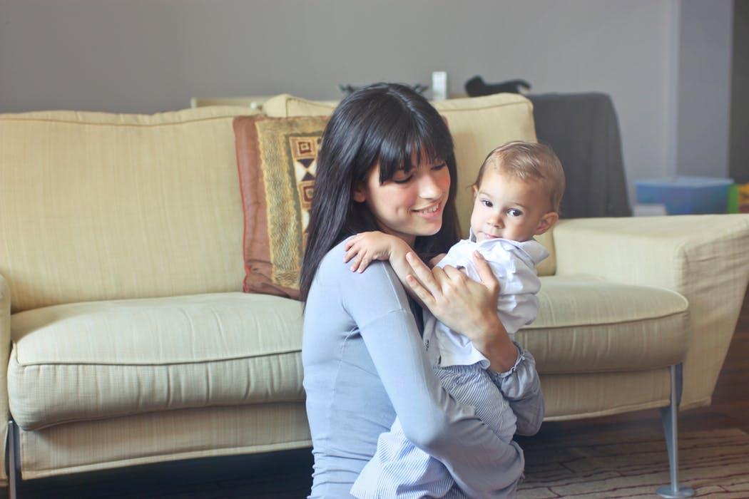 matka s dieťaťom, spolu s mamou