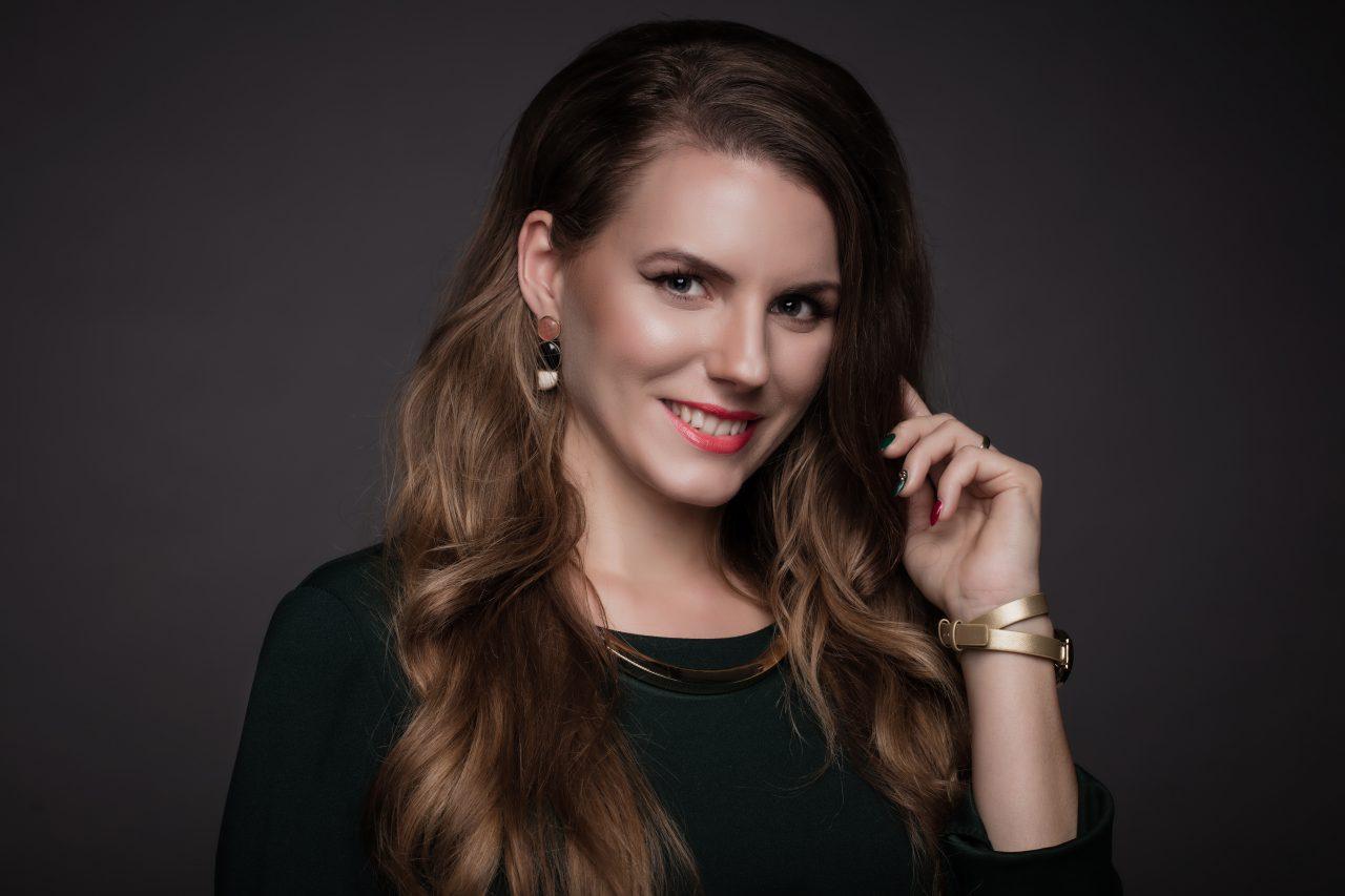 oriflame, pekná žena, mladá žena, podnikanie