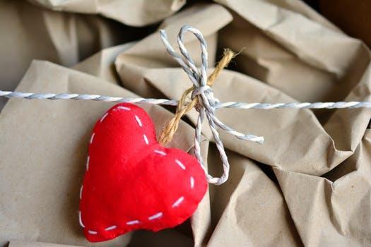 valentín, čo darovať na valentína, čo darovať svojim zákazníkom
