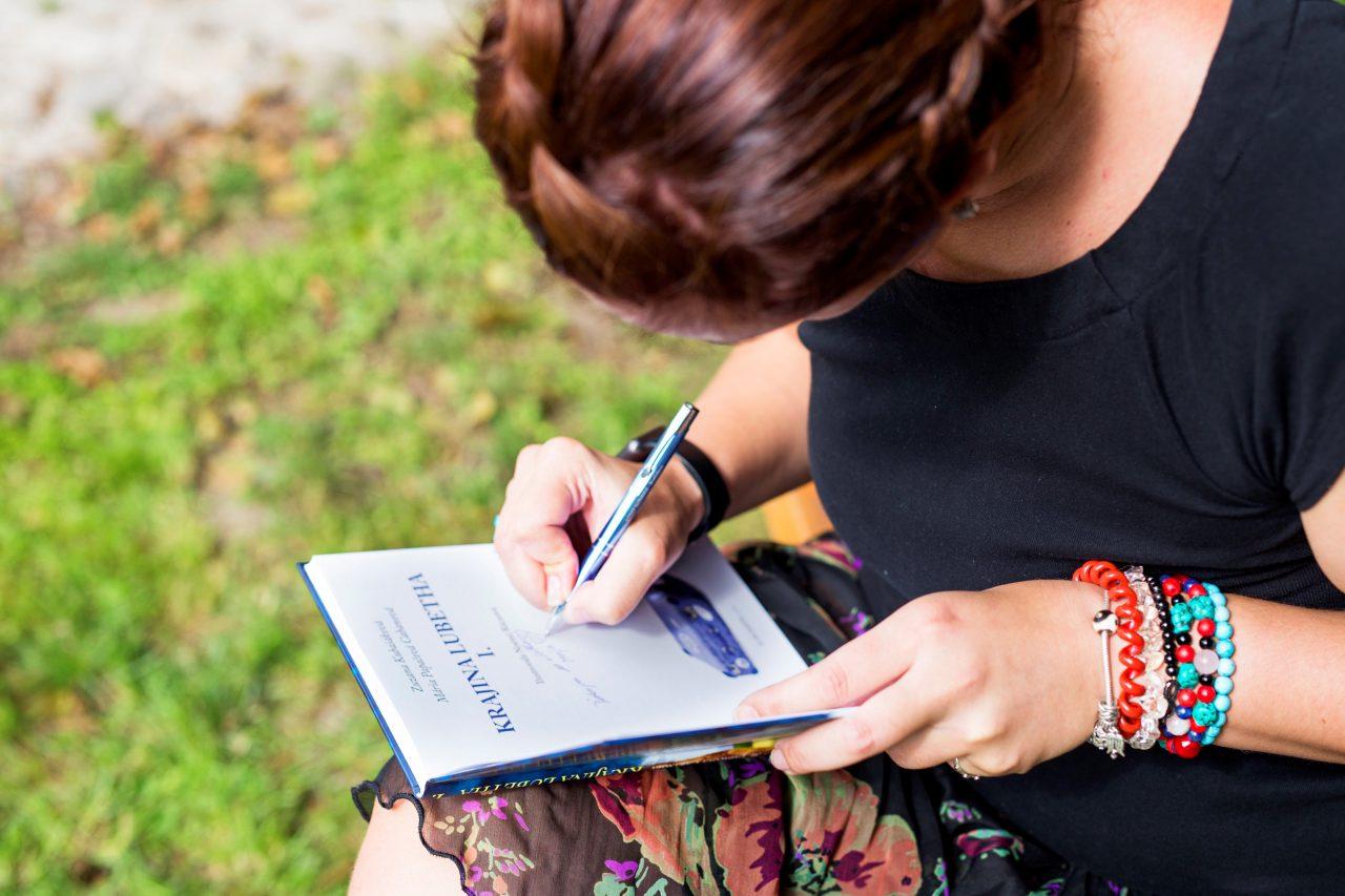 maya sinay, spisovateľka, písanie, kniha