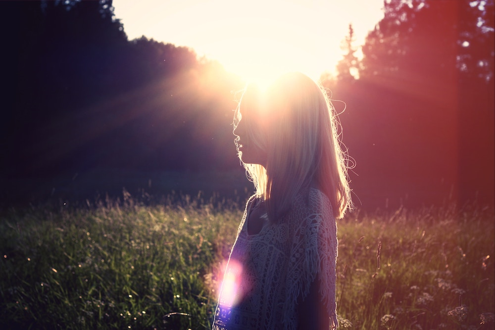 zena, slnko, myslienky