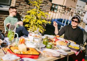 Stôl plný rusínskych dobrôt