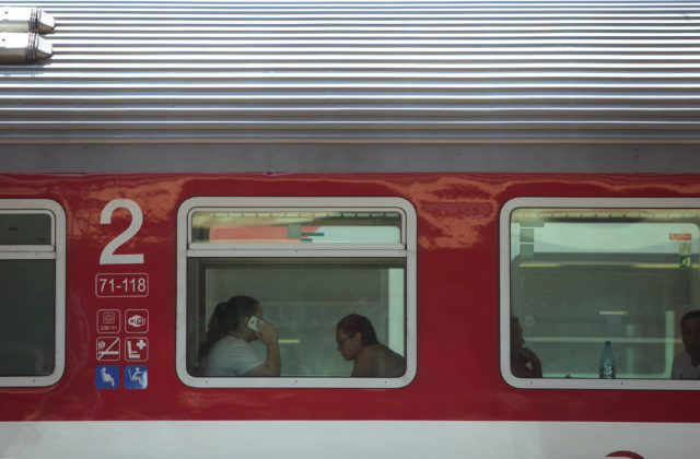 8bbcd6fe9 KOŠICE 24. mája (WebNoviny.sk) – Košický samosprávny kraj (KSK) žiada  Ministerstvo dopravy a výstavby SR o navýšenie vlakov na trase do Moldavy  nad Bodvou.