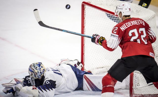 886a180632c77 BRATISLAVA 17. mája (WebNoviny.sk) – Hokejovú reprezentáciu Švajčiarska by  mal na majstrovstvách sveta 2019 na Slovensku posilniť útočník Nino  Niederreiter.